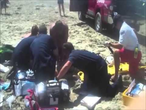 Video: Lifeguards do CPR at Beach
